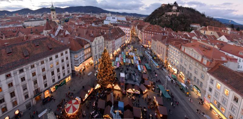 Der Grazer Hauptplatz mit Christkindlmarkt