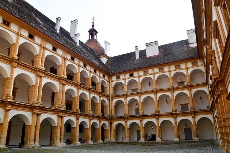 Schloss Eggenberg: Der Innenhof