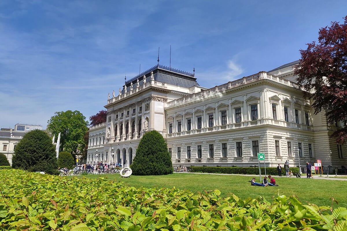 Das Hauptgebäude der Karl-Franzens-Uni Graz
