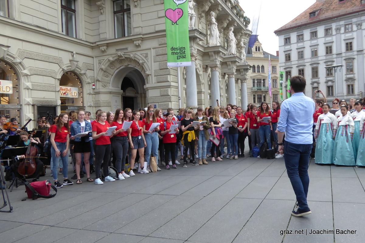 voices-of-spirit-graz-2019-flashmob-hauptplatz_06