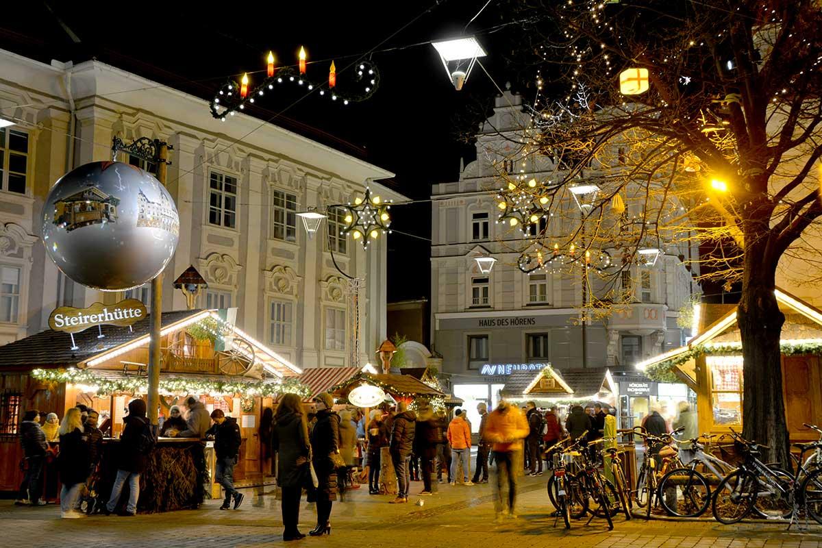 christkindlmarkt-suedtirolerplatz-graz_4