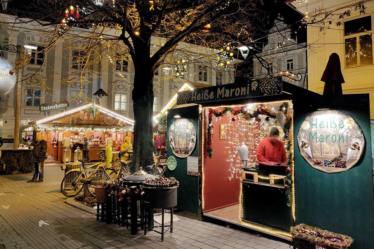 christkindlmarkt-suedtirolerplatz-graz_5