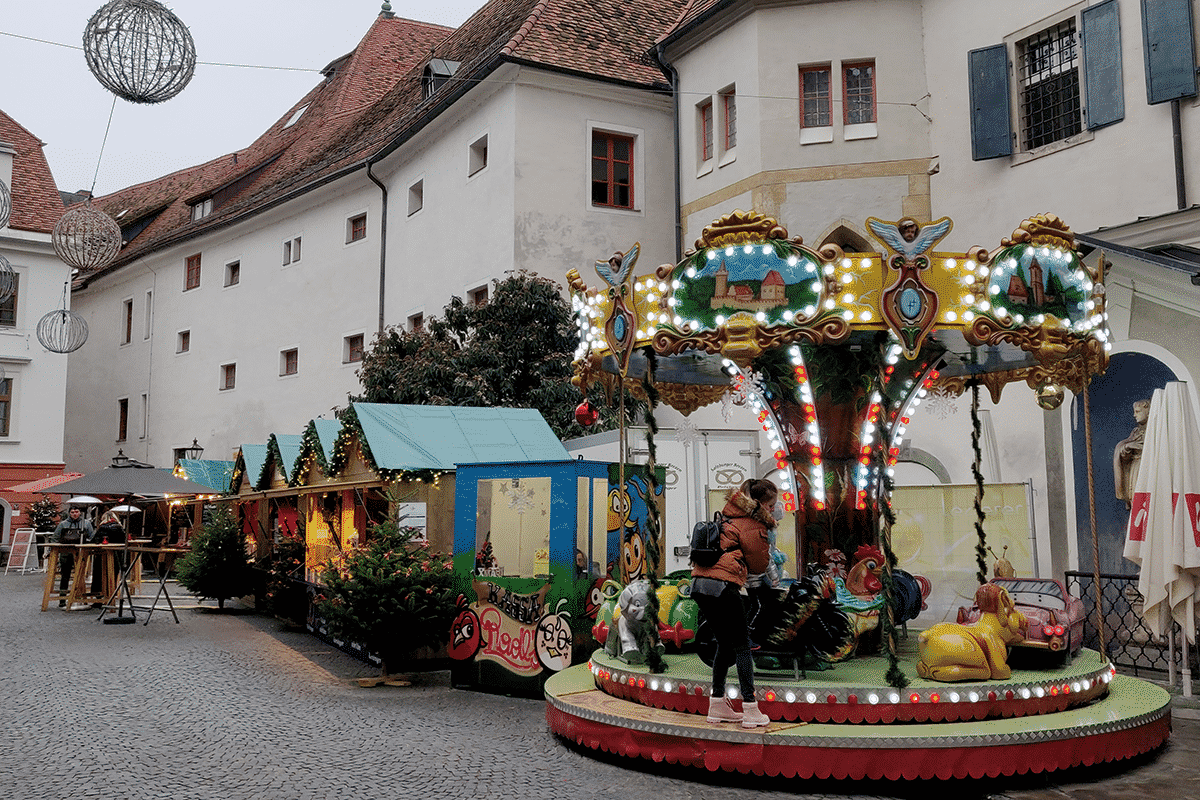 kinderkarussell-franziskanerplatz