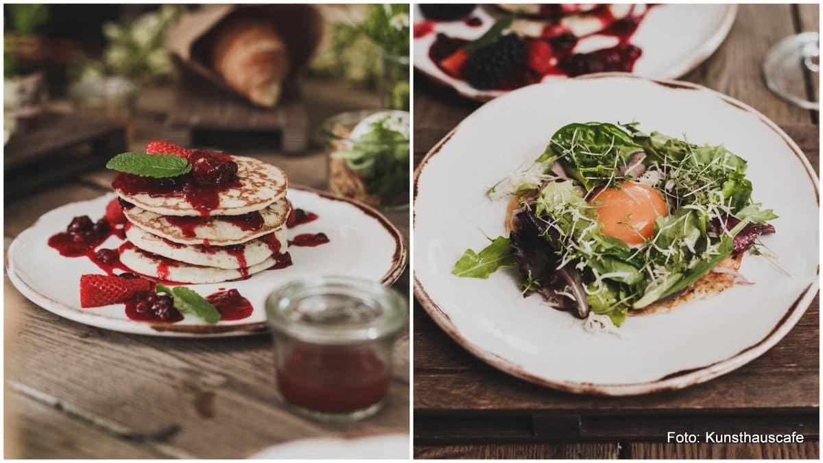 Moderne Frühstückskombinationen und Klassiker im Grazer Kunsthauscafe (Pancakes und pochiertes Ei mit Salat)