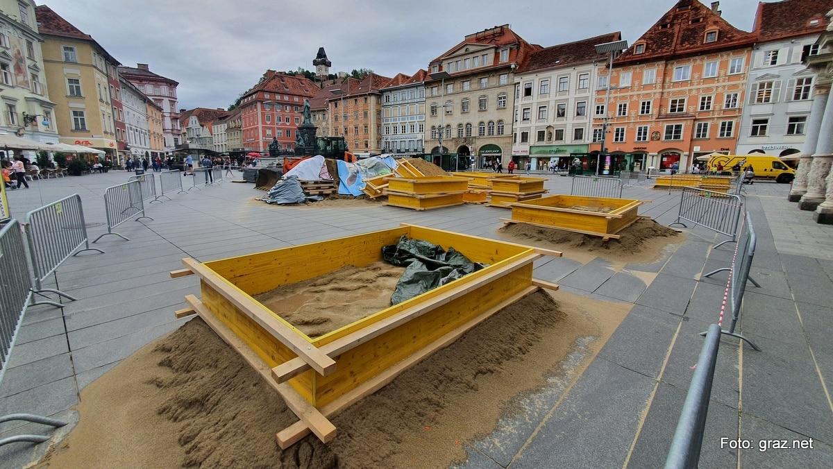 sandskulpturen-hauptplatz-graz-entstehen_2