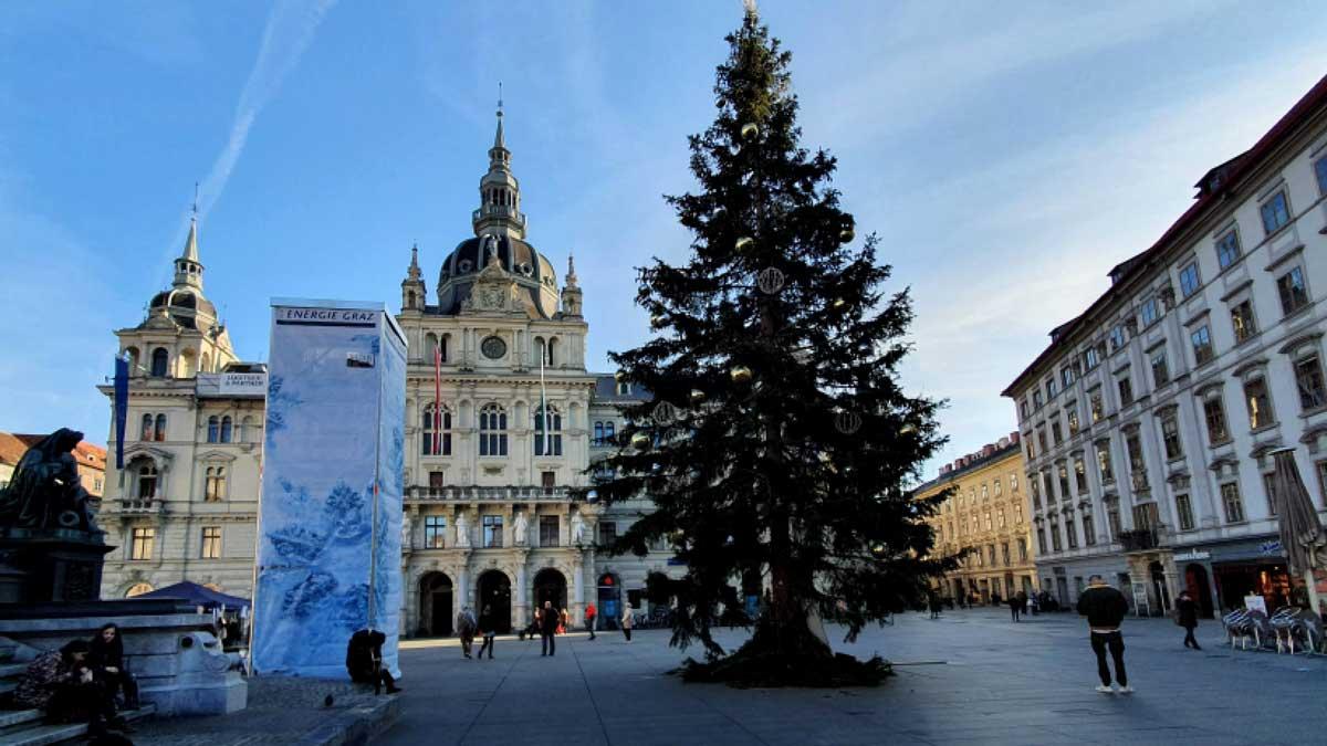 hauptplatz-christbaum